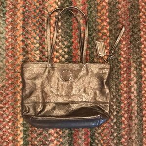 Coach Shiny Purse